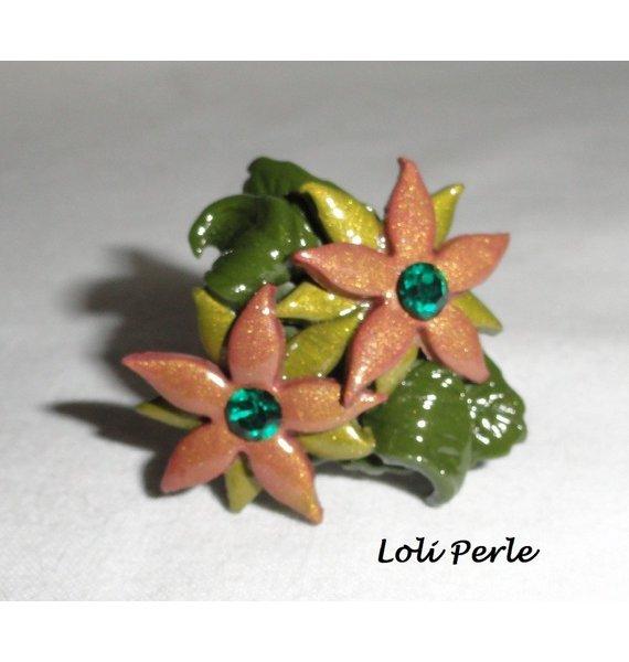 Bague fleurs en argile marron avec cristal de Swarovski et feuillage vert