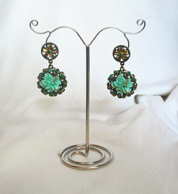 Boucles d'oreilles camé floral serti de cristal vert