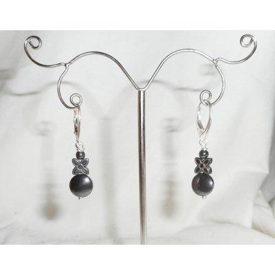 Boucles d'oreilles en pierres d'hématites forme fleur sur dormeuses en argent 925