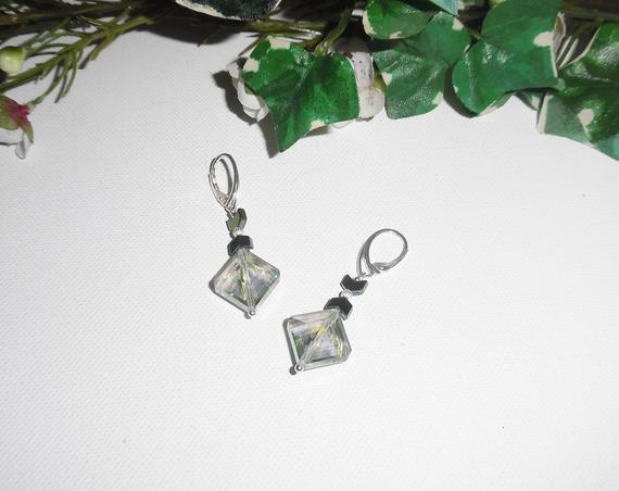 Boucles d'oreilles losange en cristal vert sur argent 925