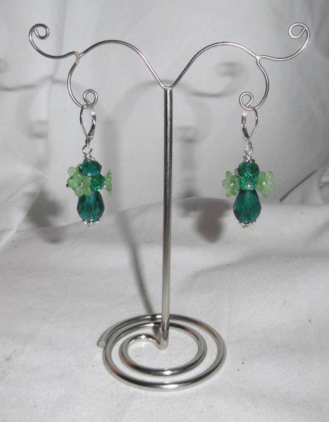 Boucles d'oreilles originales fleurettes avec perles en cristal vert