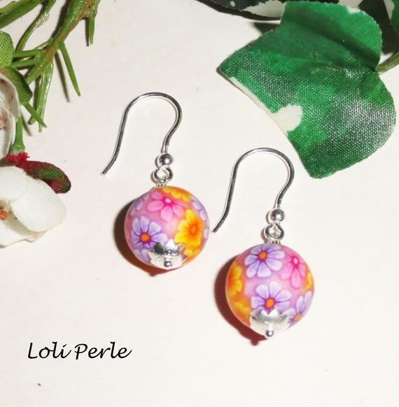 Boucles d'oreilles perles d'argile fleurie rose en argent 925