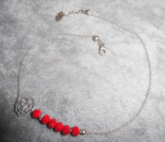 Bracelet/chaine de cheville avec rose et perles en crista rouge sur chaine argent 925