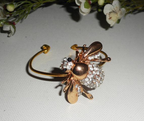 Bracelet original abeille en strass doré