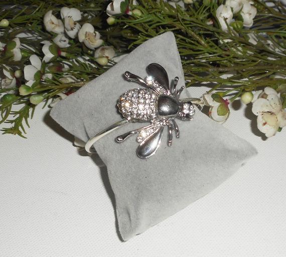 Bracelet original abeille en strass