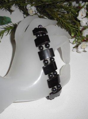 Bracelet original pour homme en pierres d'hématite grises sur corde élastique
