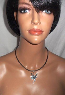 Collier cuir noir avec pendentif fée en argent sur cordon de cuir noir