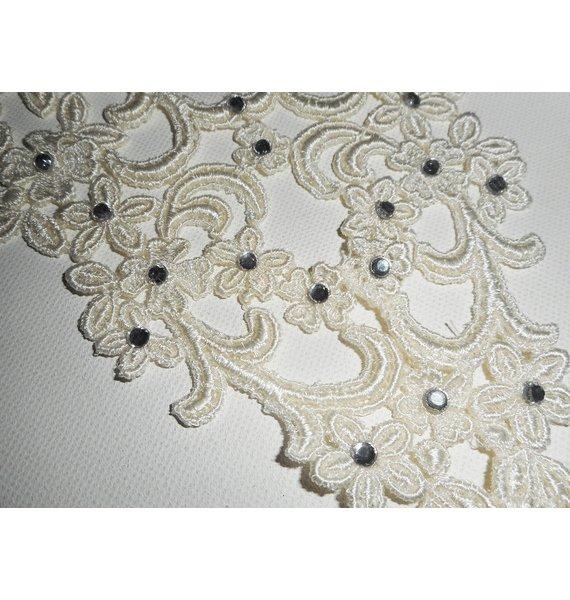 Collier de Cérémonie dentelle écrue motif arabesque et fleurs avec cristal de Swarovski