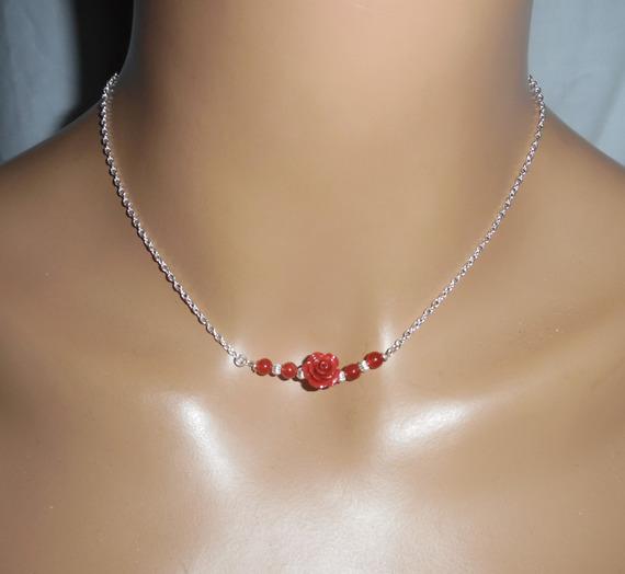 Collier rose sculptée en gorgone rouge sur chaine argent 925