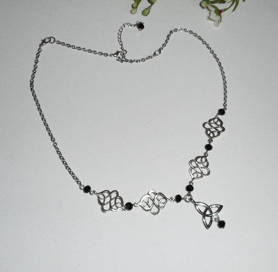 Diadème avec perles en cristal de bohème noir et motifs celtiques 2 en 1