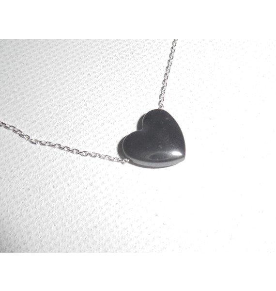 Pendentif coeur en pierre d'hématite sur fine chaine en argent 925