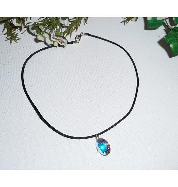 Pendentif en cristal de Swarovski blanc AB ovale sur cordon de soie noir et argent 925