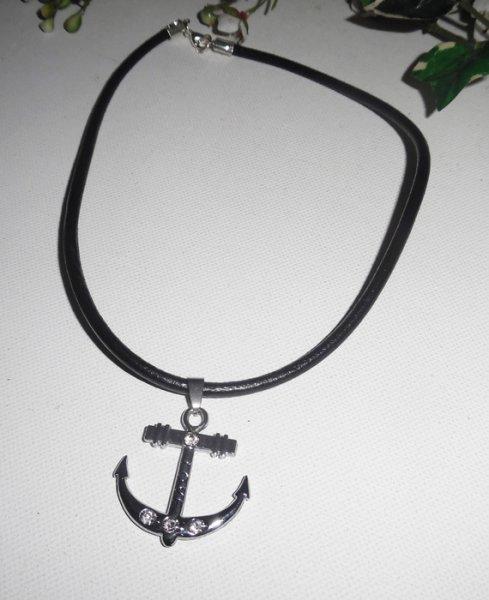 Pendentif encre en métal argent sur cuir noir