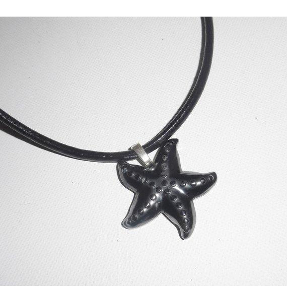 Pendentif  étoile de mer en pierre d'hématite sur cuir noir