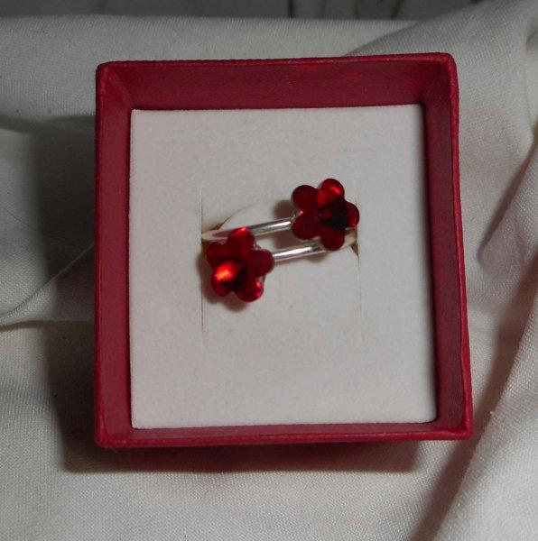 Bague double fleurs en cristal de Swarovski rouge