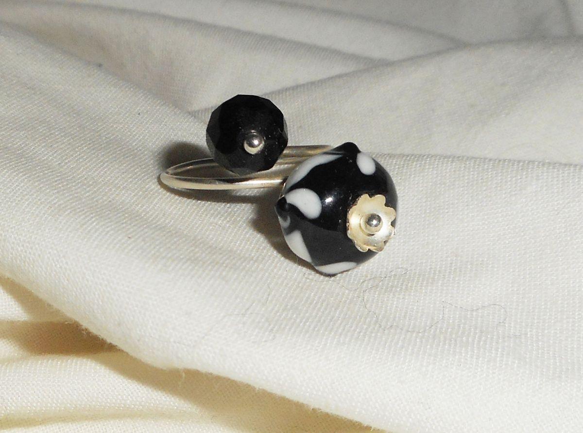Bague originale en argent 925 avec  perle lampwork et cristal noir