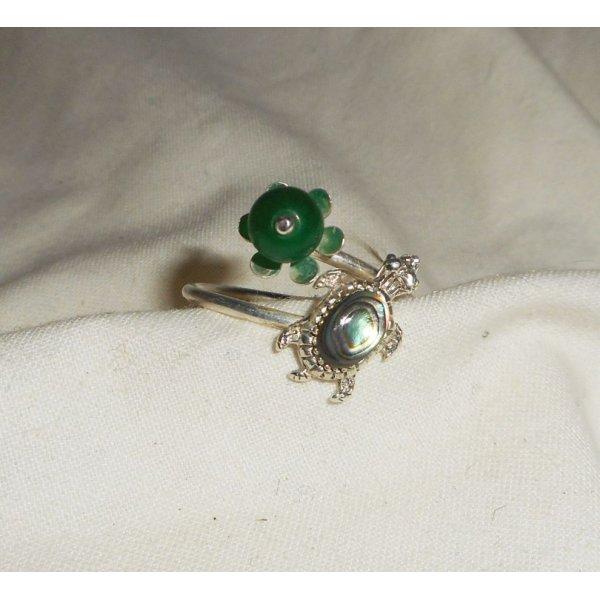 Bague originale en argent 925 avec tortue en abalone et pierre de jade vert