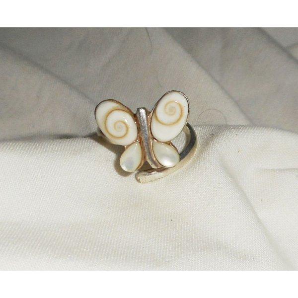 Bague originale en argent 925 avec papillon en oeil de Ste Lucie