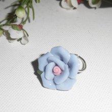 Bague originale en argent 925 avec grosse rose en porcelaine bleue