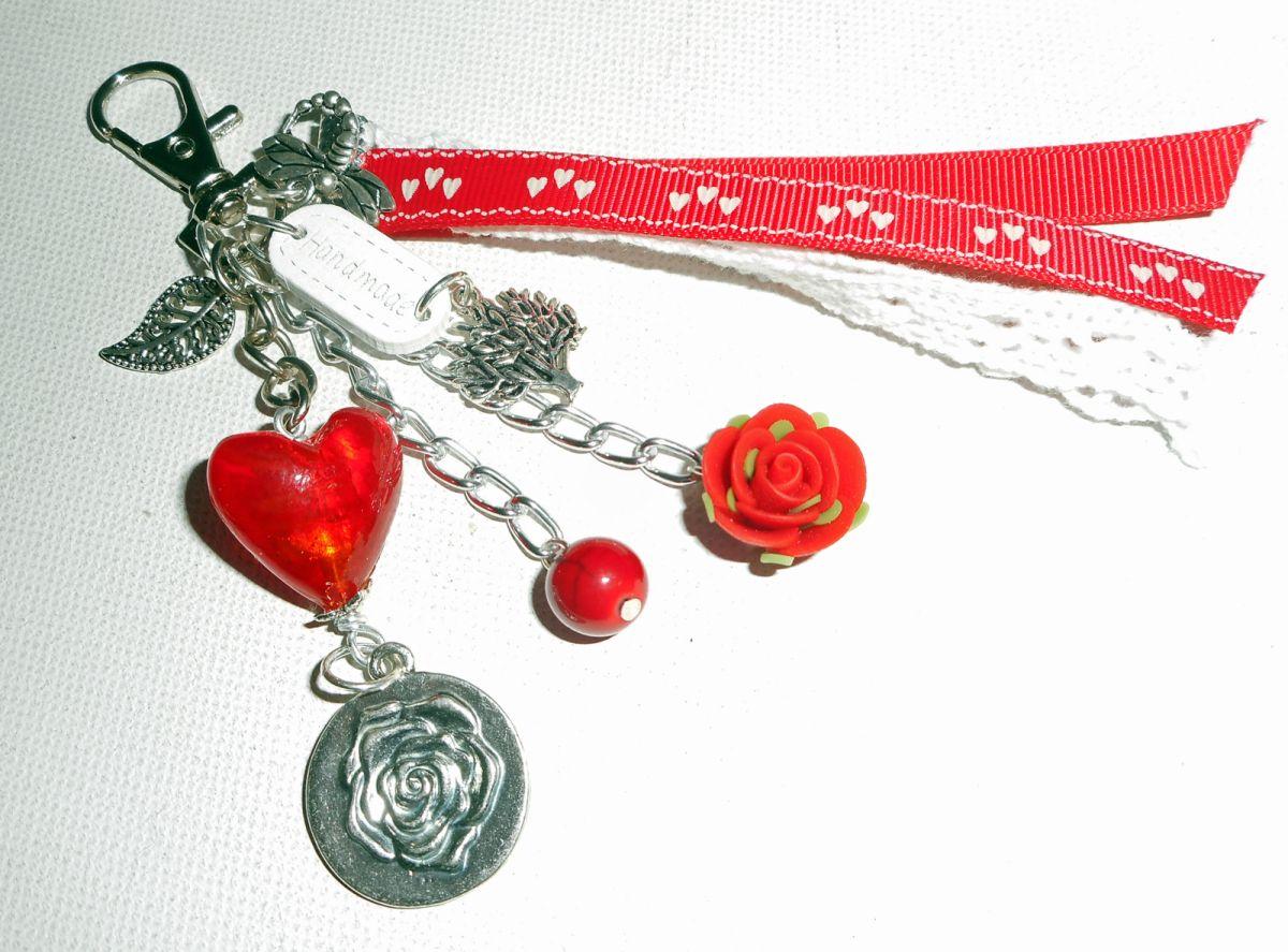 Bijoux de sac/porte clefs coeur en verre rouge avec dentelle et rubans