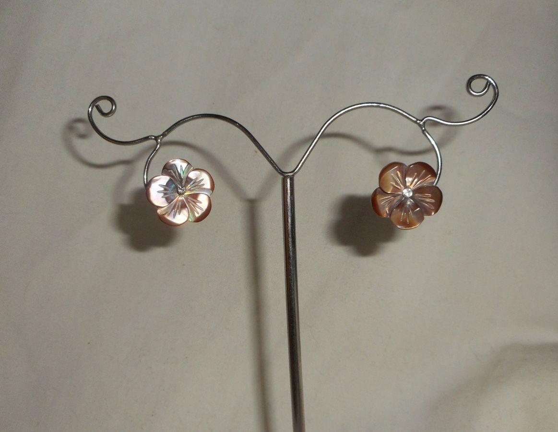Boucles d'oreilles argent 925 avec fleur de nacre marron