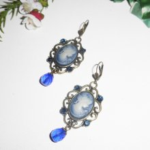 Boucles d'oreilles camé bleu avec cristal de Swarovski