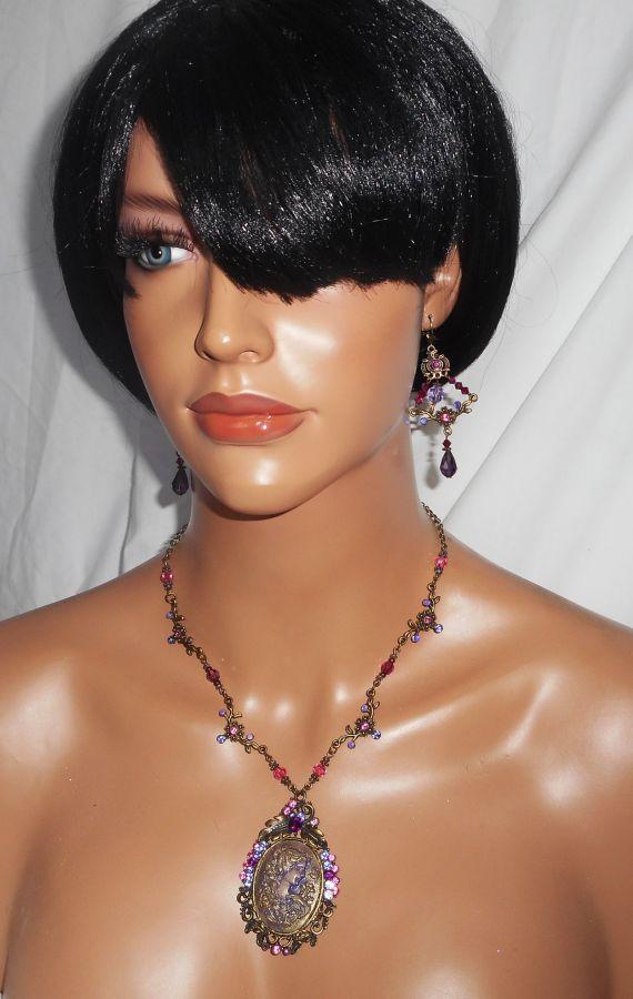 Boucles d'oreilles connecteurs fleuris avec perles en cristal violet et vert