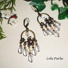 Boucles d'oreilles fleurs et pampilles avec gouttes en cristal