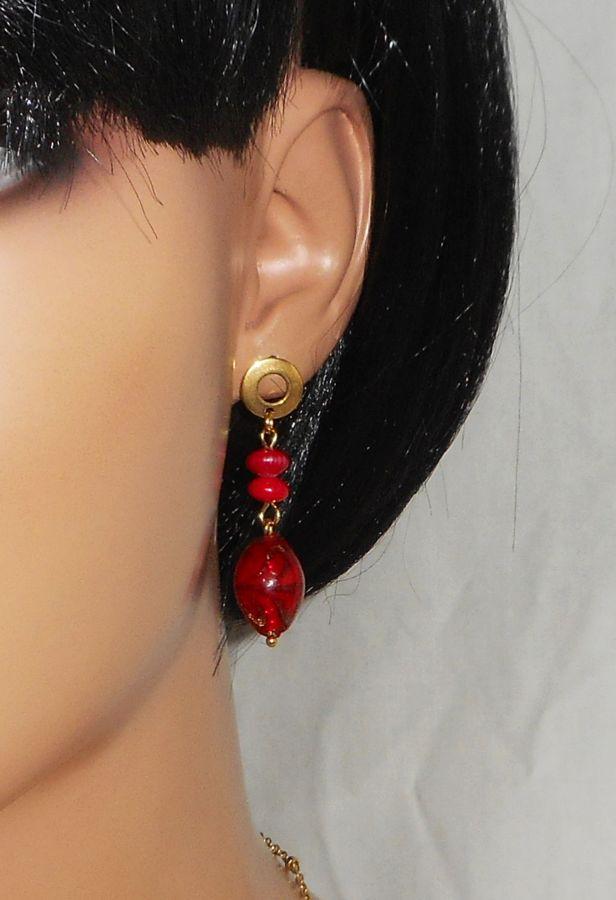 Boucles d'oreilles en gorgone et verre de Murano rouge