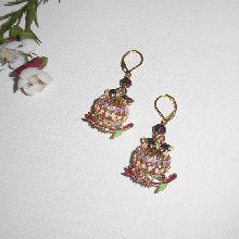 Boucles d'oreilles  hibou en émail multicolore avec perle en cristal sur dormeuses dorées