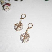 Boucles d'oreilles motif fée avec strass et petit cristal en métal doré