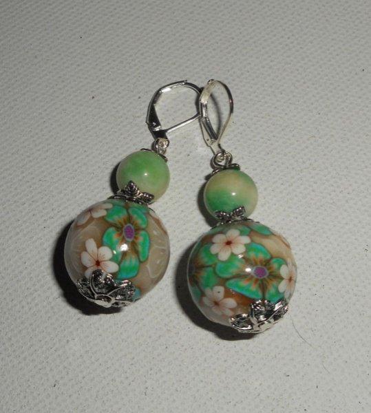 Boucles d'oreilles perles fleuries vertes avec perles en agate