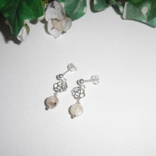 Boucles d'oreilles avec et perles en nacre marron sur clous en argent 925