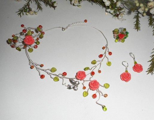 Bracelet aérien avec rose corail et perles de verre