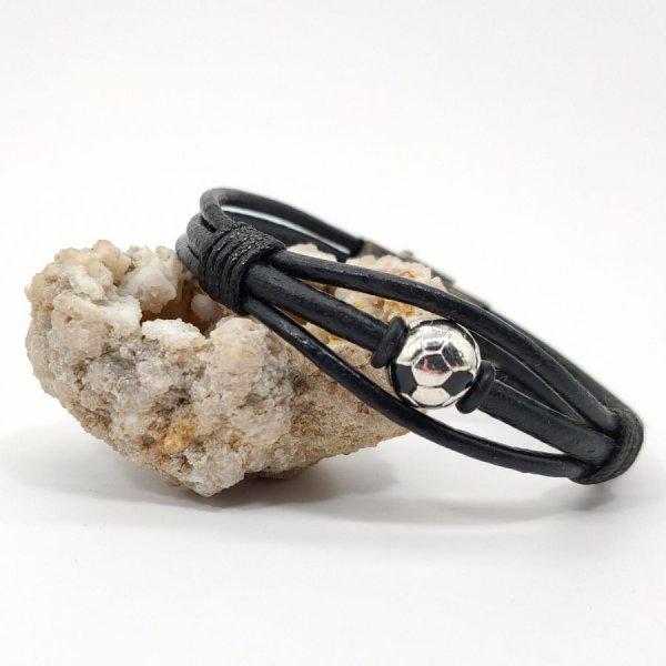 Bracelet ballon de foot sur cordon de cuir noir