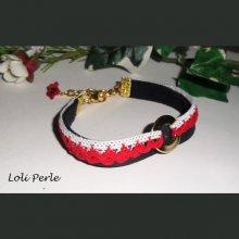 Bracelet cuir noir avec dentelle crochetée rouge et blanche