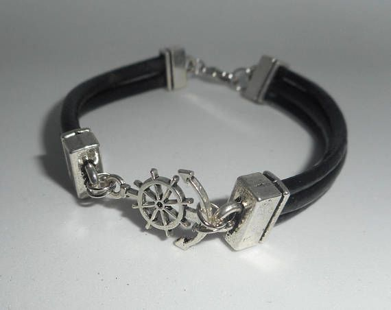 Bracelet cuir noir multi-rangs avec gouvernail en métal argent
