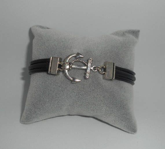 Bracelet cuir noir multi-rangs avec ancre en métal argent