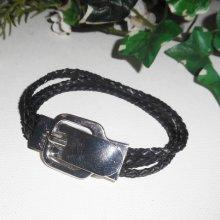 Bracelet en cuir noir  multirangs avec fermoir ceinture en acier