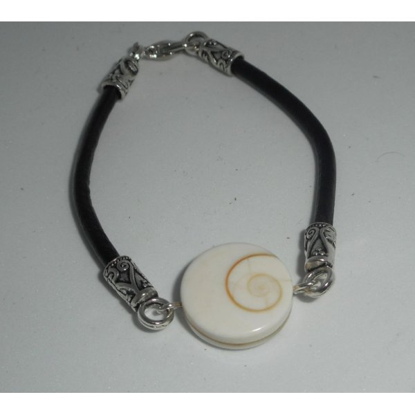 Bracelet cuir noir avec oeil de ste Lucie