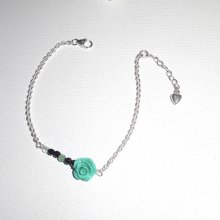 Bracelet fleur verte avec petites pierres en agates sur chaine en argent 925