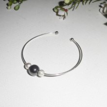 Bracelet jonc avec pierre d'hématite et perles argent