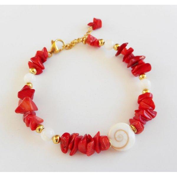 Bracelet en oeil de Ste Lucie avec gorgone et nacre