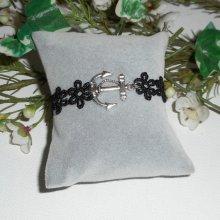 Bracelet original avec ancre et dentelle noire