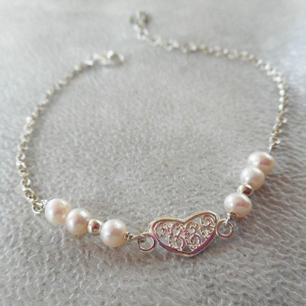 Bracelet en perles de culture avec coeur en argent 925