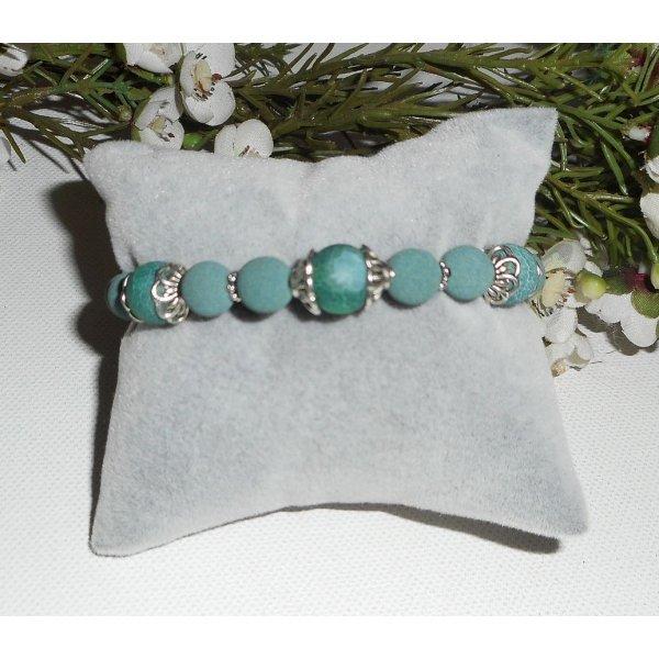 Bracelet en perles de lave et pierres en agate verte