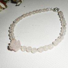 Bracelet perles et rose en quartz rose sur fermoir argent