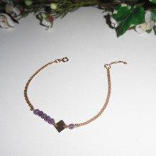 Bracelet  petites pierres d'améthyste avec losange sur chaine plaqué or