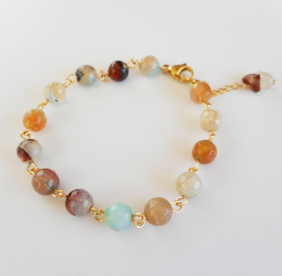Bracelet en pierres dAgates multicolores facetées