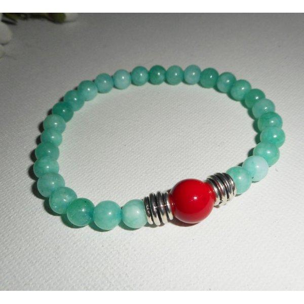 Bracelet en pierres de jade et gorgone rouge